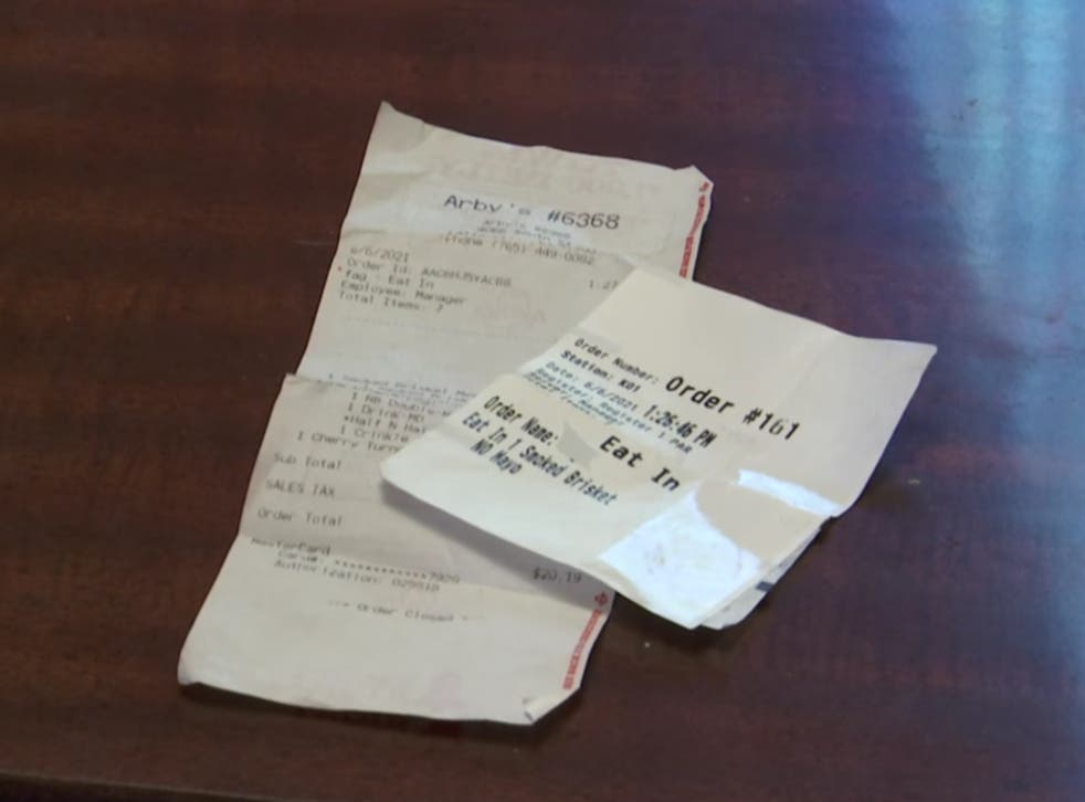<p>A receipt from Arby's in Indiana with a homophobic slur</p>