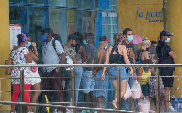 CUBA-DÓLARES