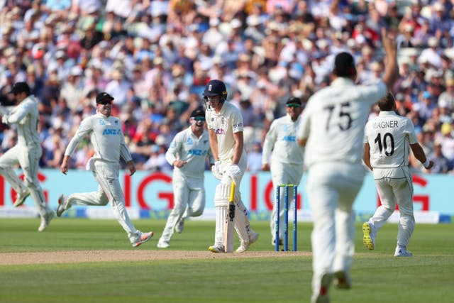 <p>England batsman Dan Lawrence is dismissed by New Zealand bowler Neil Wagner for 0</p>