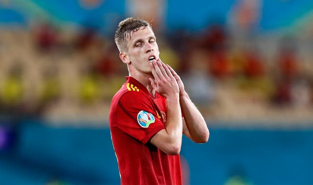 <p>Dani Olmo reacts to a missed chance</p>