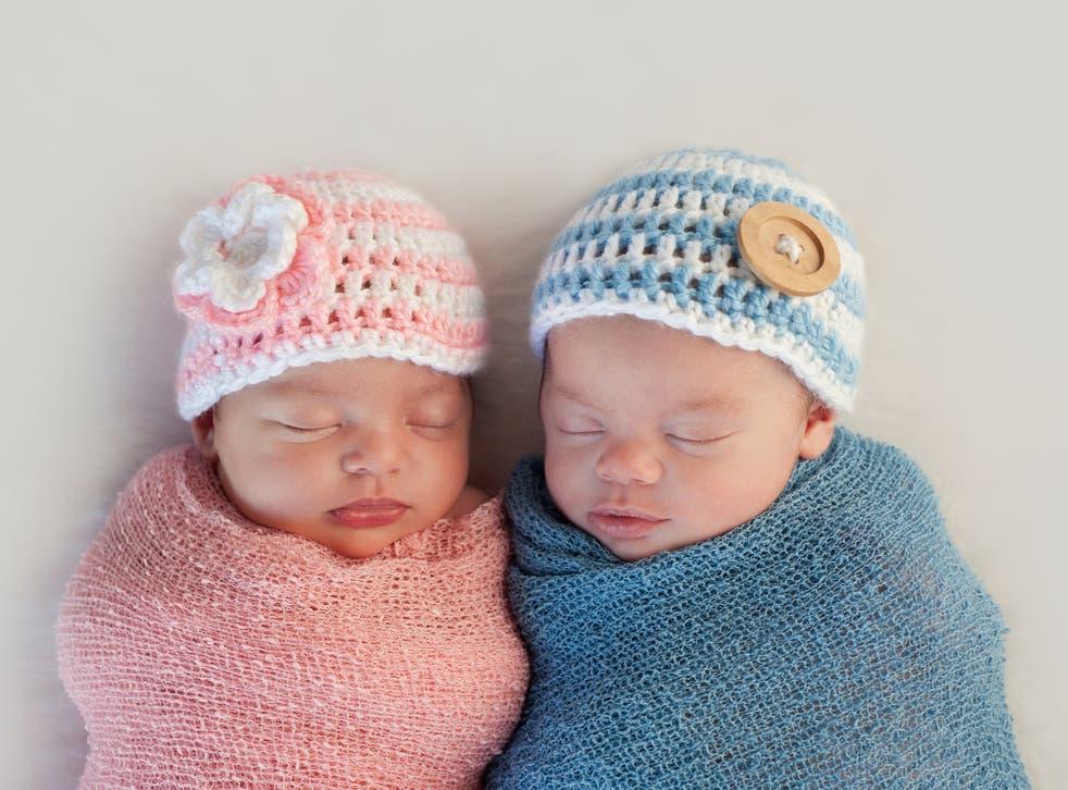 <p>Boy and girl newborn babies</p>