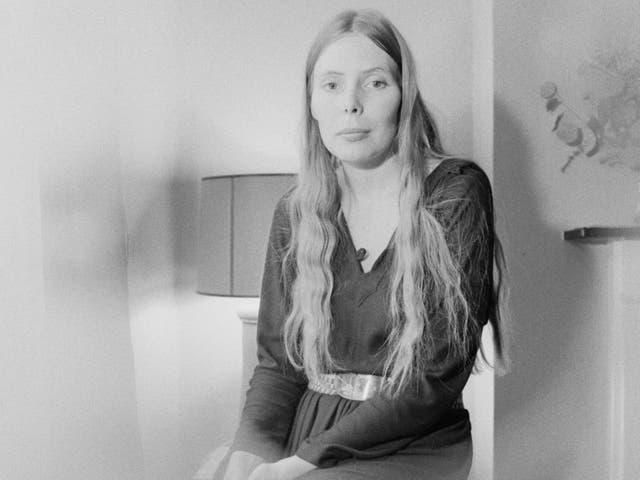 <p>Joni Mitchell in London, January 1970</p>