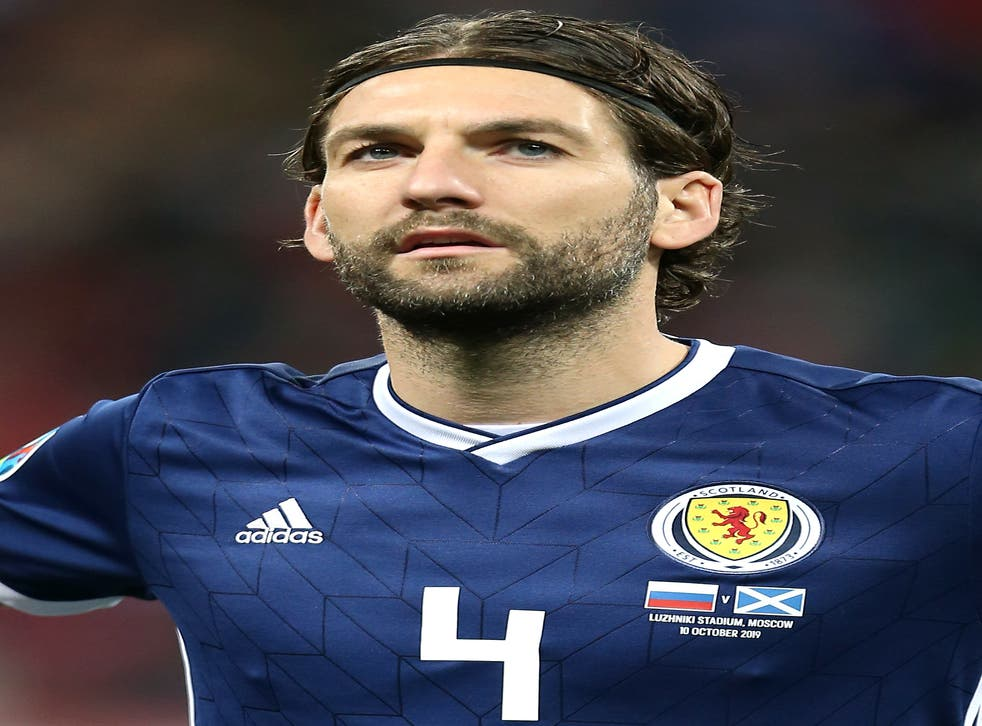 Former Scotland defender Charlie Mulgrew has joined Dundee United