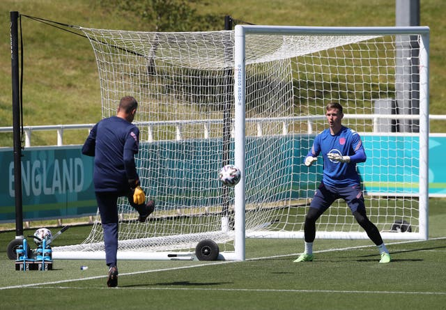 <p>Goalkeeper Dean Henderson (right) has been forced to withdraw from the England squad</p>