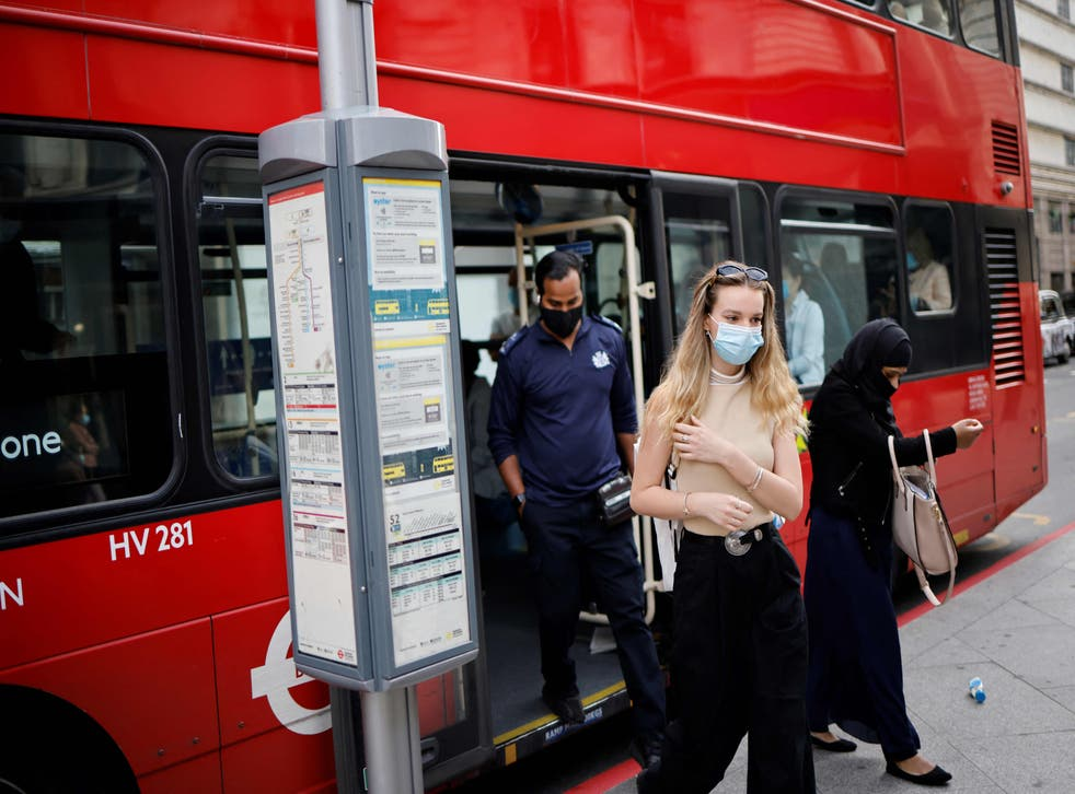 <p>Londoners spend 1 hour and 19 minutes commuting each day</p>