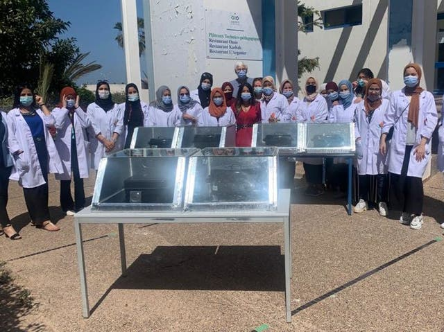 <p>20 young female technicians from Morocco's Souss-Massa region were trained to make solar cookers. Traditionally, wood and butane gas are used, especially in the rural world, for cooking, despite their negative impact on people's health and the environment</p>