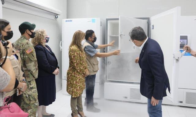 <p>Los congeladores coincidieron con la llegada del primer lote de la vacuna de Pfizer</p>