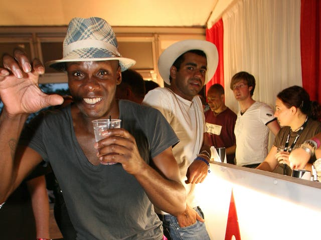 <p>'I didn't stop drinking' – Gary Powell at the Isle of Wight festival in 2006</p>