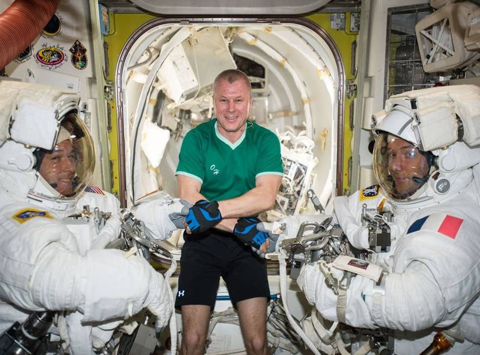 <p>Russian cosmonaut Oleg Novitskiy (middle) poses with Expedition 50 Commander Shane Kimbrough of NASA (left) and Flight Engineer Thomas Pesquet of ESA (European Space Agency) (right) prior to their spacewalk 24 March, 2017</p>