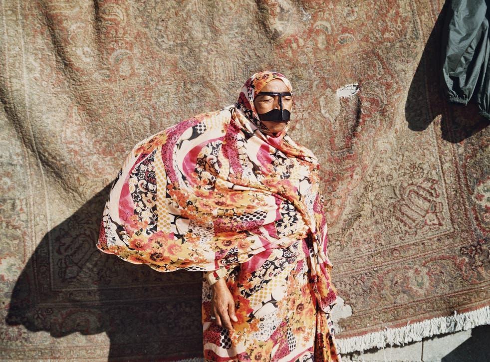 <p>Hoda Afshar. Image from Speak The Wind (Mack, 2021)</p>