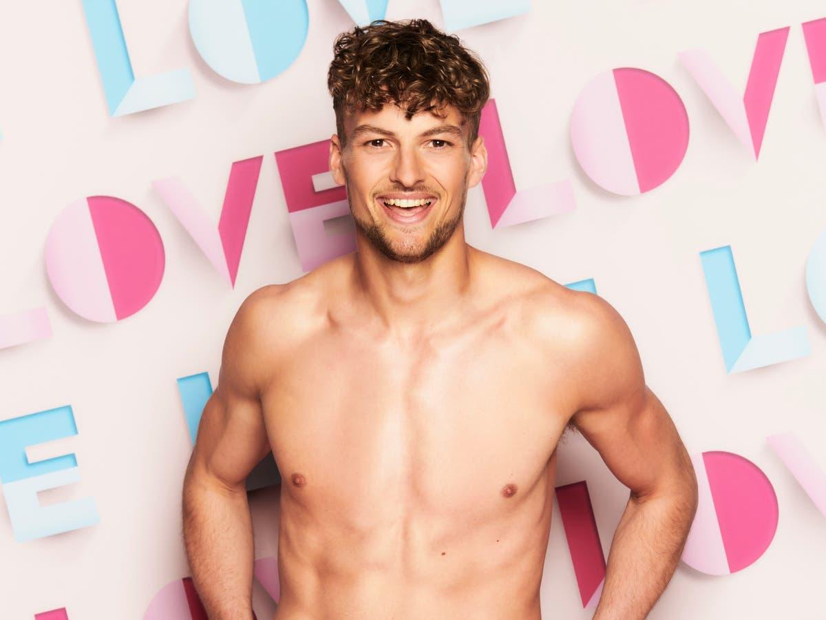 Who's Love Island 2021 contestant Hugo Hammond?