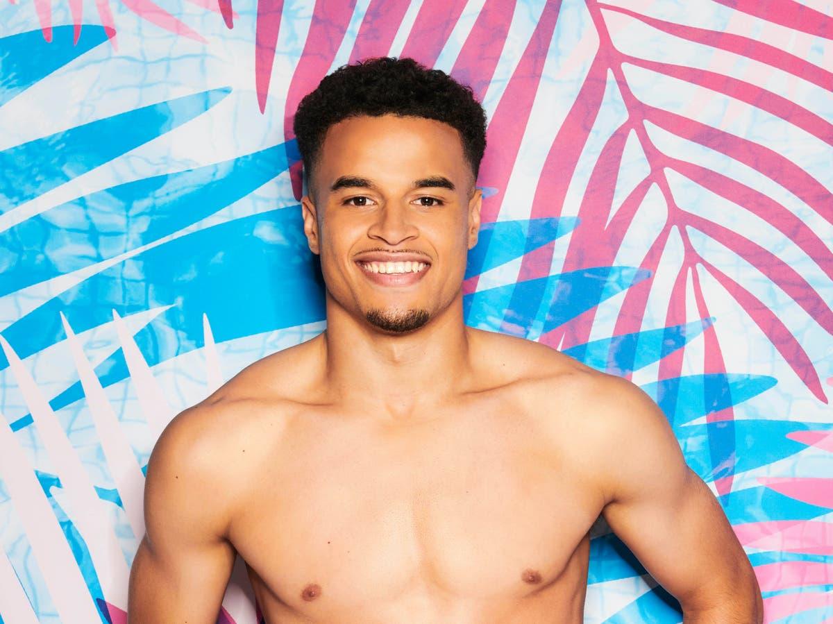 Who's Love Island 2021 contestant Toby Aromolaran?