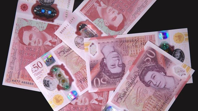 <p>New note comes with security features that do not work on paper</p>