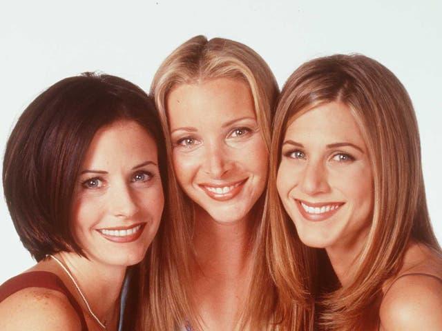 <p>Las estrellas de Friends Courteney Cox, Lisa Kudrow y Jennifer Aniston en 1997</p>