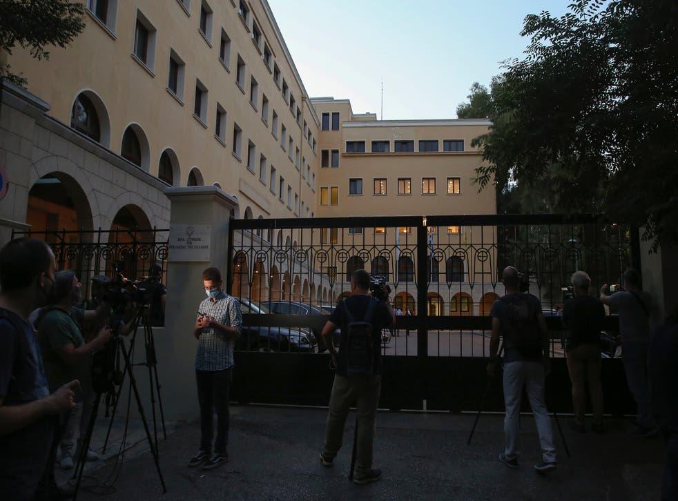 GRECIA-OBISPOS ATACADOS