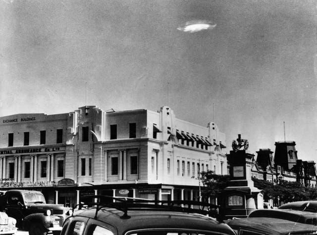 <p>Objeto volador no identificado en el cielo sobre Bulawayo, Rhodesia del Sur en 1953</p>