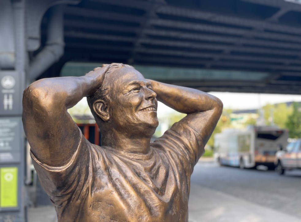 <p>There's a 6-foot Elon Musk statue in New York and one 'lucky' person has the chance of taking it home </p>