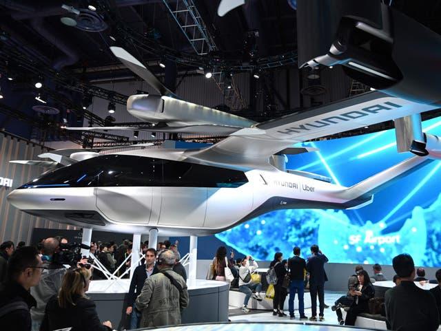 <p>El concepto de movilidad aérea urbana eléctrica Hyundai S-A1 se exhibe en el Consumer Electronics Show 2020 en Las Vegas</p>