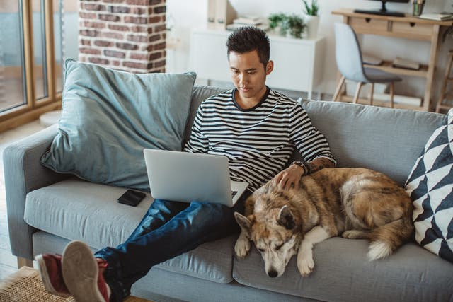 <p>Hybrid working can reduce overcrowding </p>