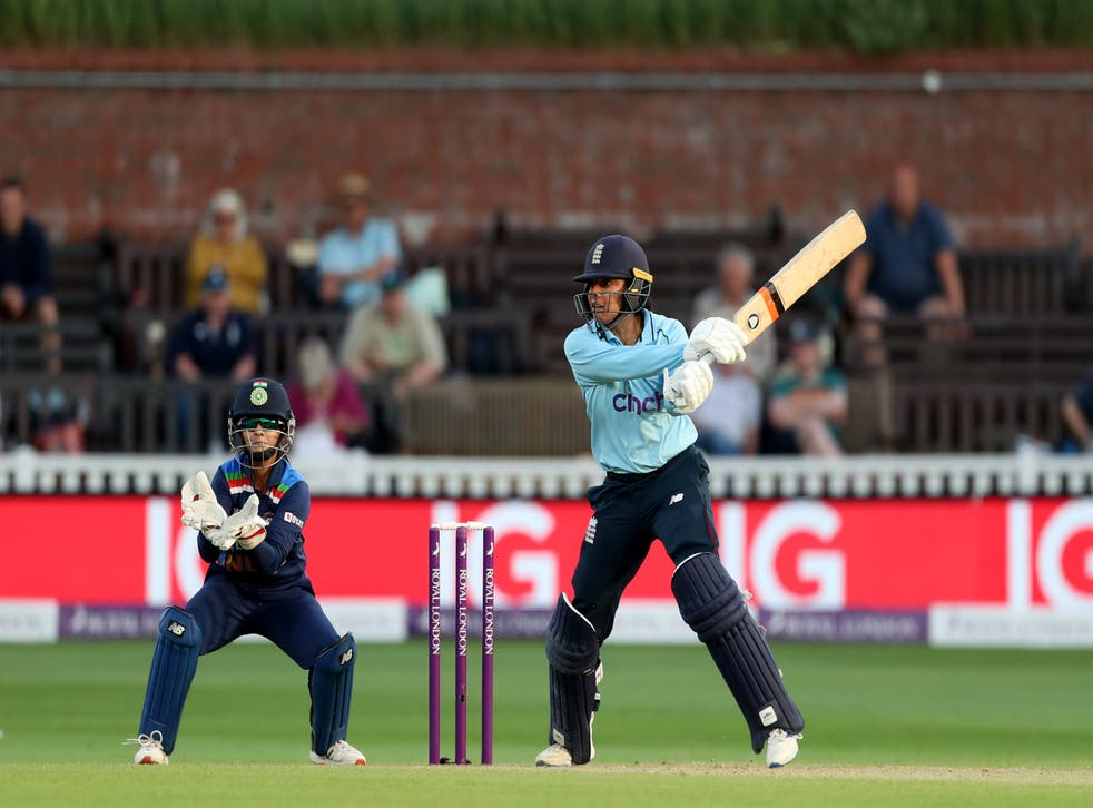 <p>A record-breaking 92-run partnership between Sophia Dunkley and Katherine Brunt was enough to see England Women chase India's total of 221</p>
