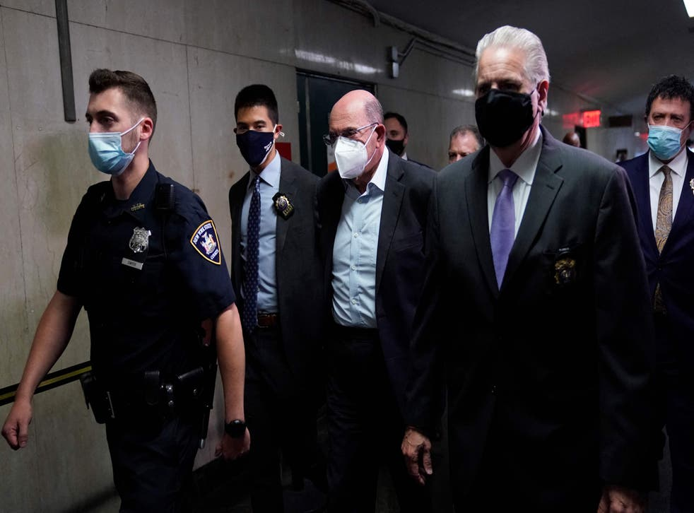 <p>Allen Weisselberg (C) former US President Donald Trumps company chief financial officer arrives to attend the hearing </p>