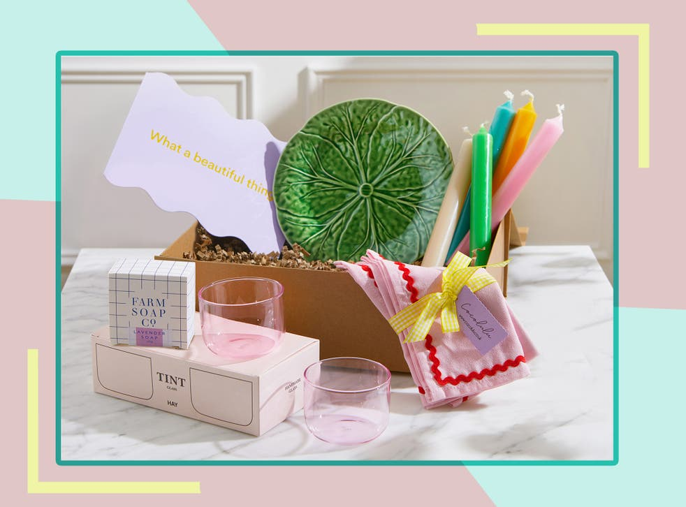 <p>It's officially the summer of love, so make sure you get a present they'll say 'I do' to </p>