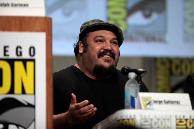 """<p>""""Me enamoré de la letra de la canción hablando del concepto de volverse ciudadano"""", el artista mexicano Jorge R. Gutiérrez dice sobre lo que le animó a participar en la serie de Netflix.</p>"""