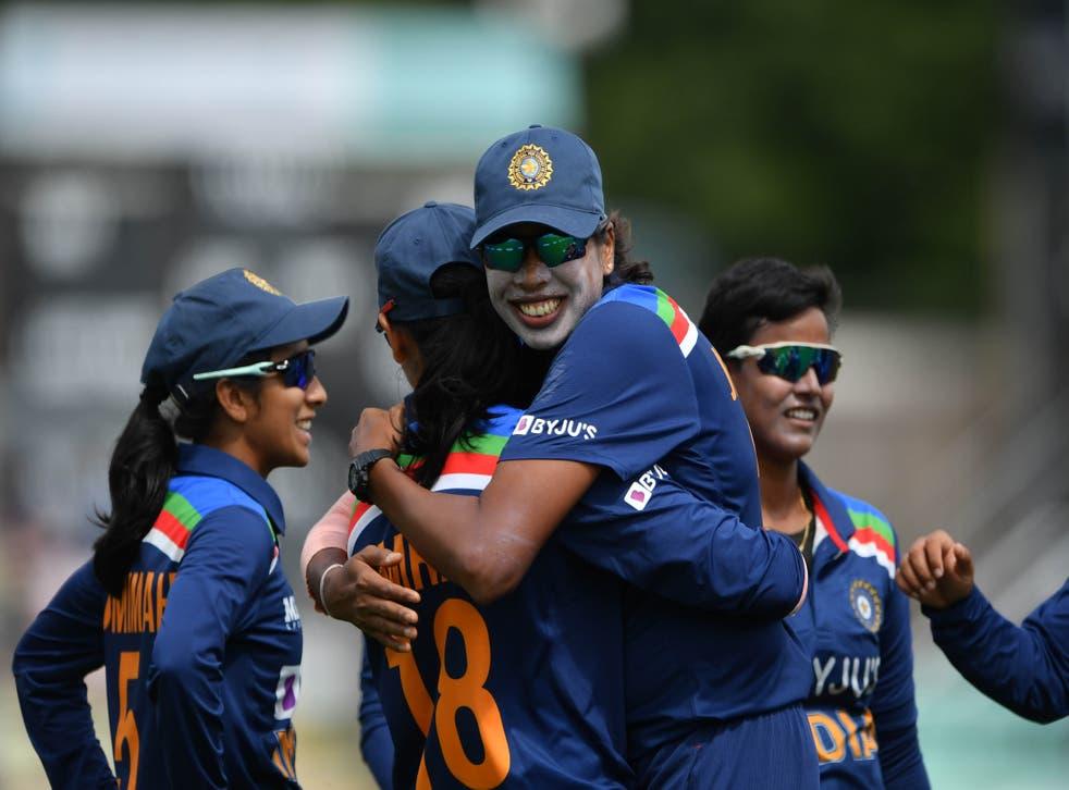 <p>India's Deepti Sharma, centre, celebrates against England</p>