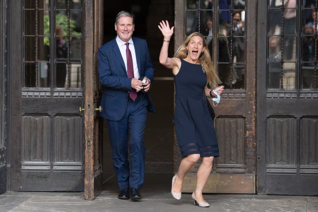 <p>Kim Leadbeater, right, with the Labour leader, Keir Starmer</p>