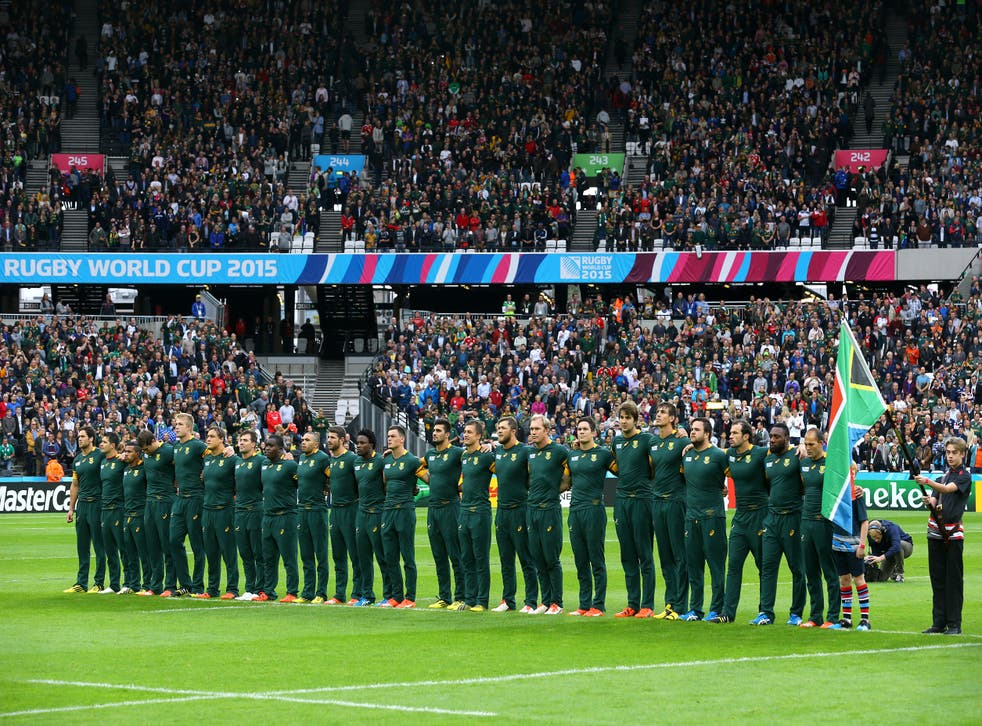 <p>South Africa line up for the anthems</p>