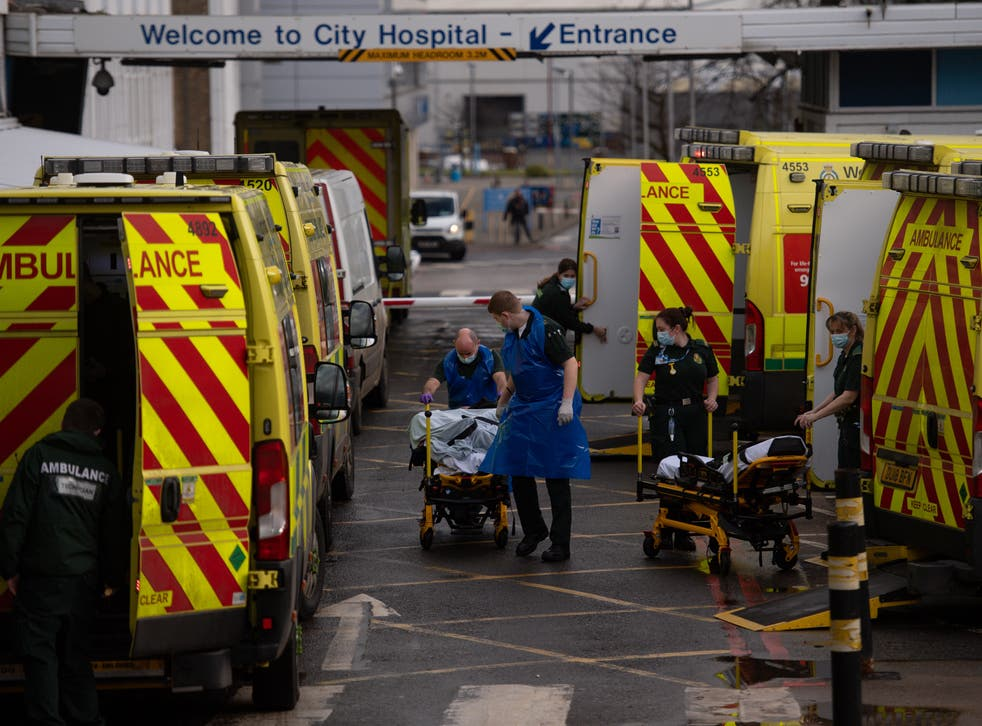 <p>Ambulances in the West Midlands are facing long delays outside hospitals</p>