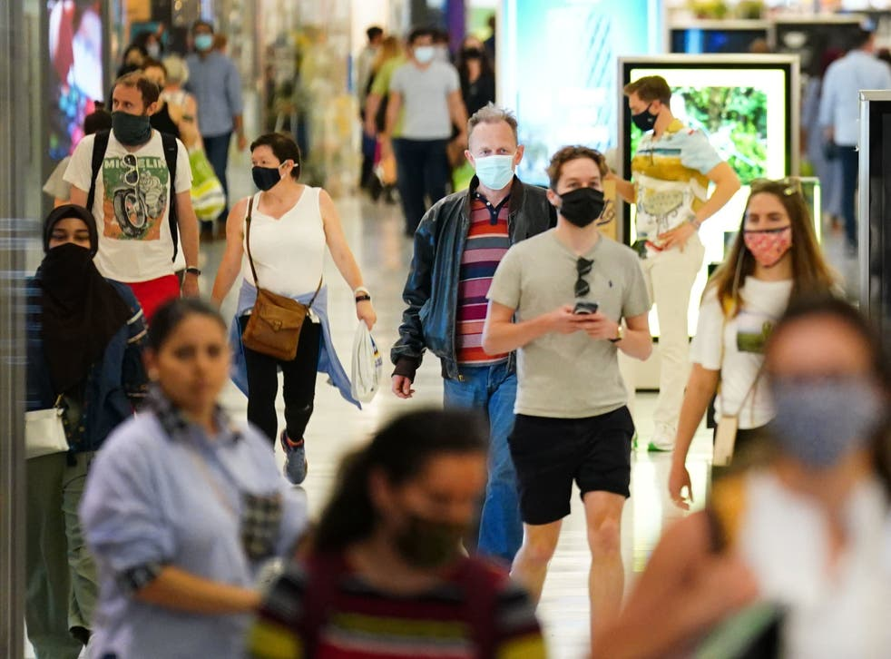 <p>A significant minority of people would like to see mask-wearing go on for longer</p>