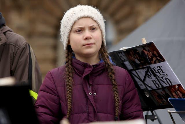 Greta Thunberg es una de las figuras públicas que aparecen en los objetivos.