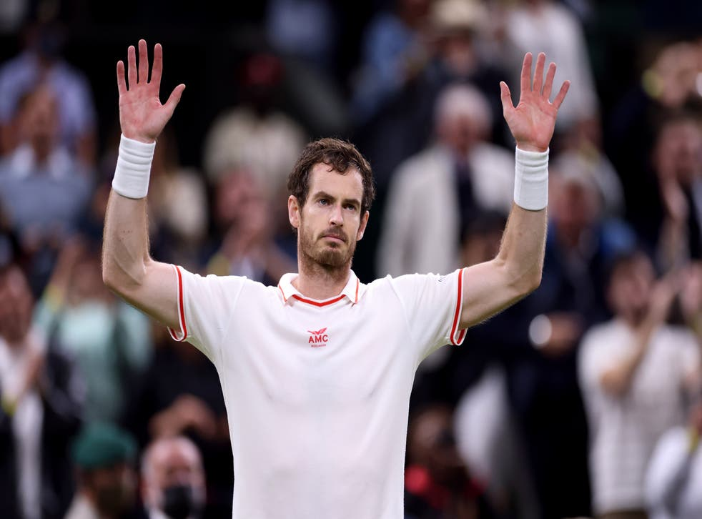 <p>Andy Murray acknowledges the crowd</p>