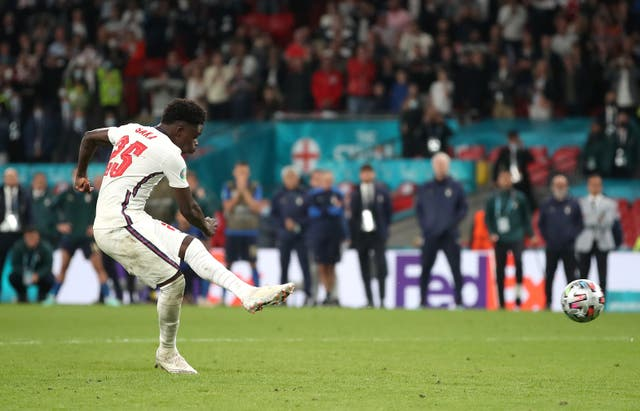 <p>Bukayo Saka misses his penalty against Italy in the Euro 2020 final</p>