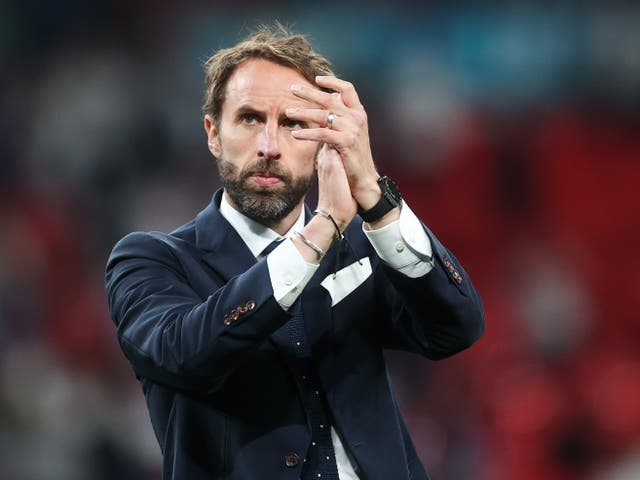 <p>Gareth Southgate applauds fans after the Euro 2020 final </p>
