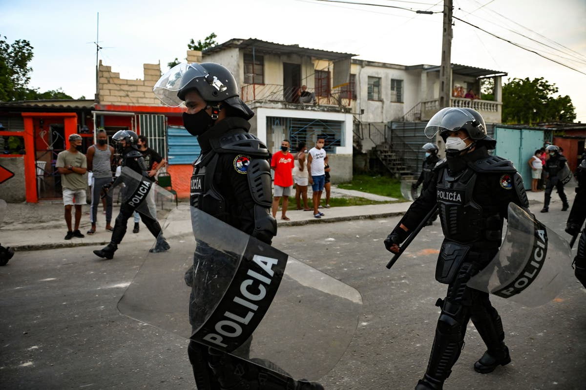 Video shows Cuban protester being shot by police in front of his family |  The Independent