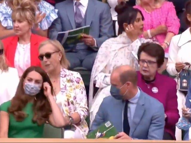 <p>Priyanka Chopra parece 'desairar' a Kate Middleton y al príncipe William en Wimbledon</p>