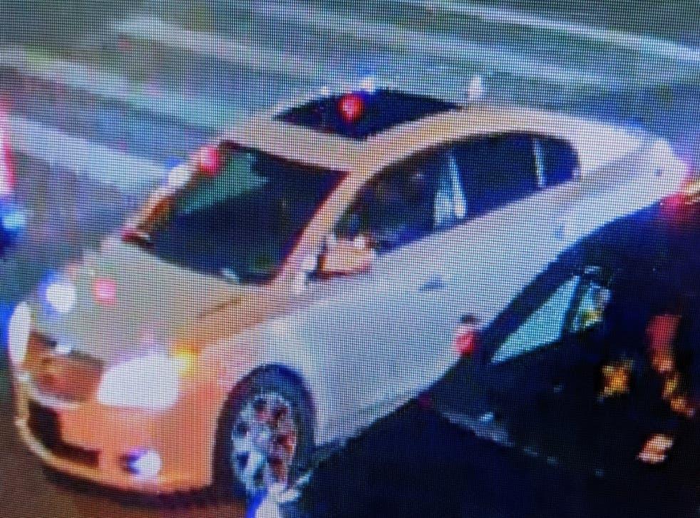 <p>Un Buick LaCrosse blanco conducido por el hombre buscado en el tiroteo de David Castro en la carretera</p>