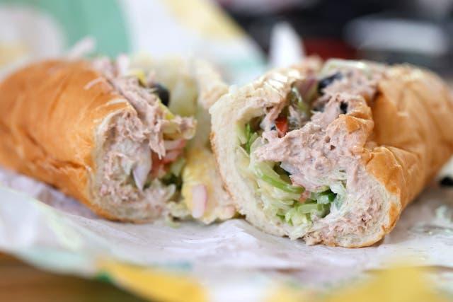 <p>Subway CEO defends chain's tuna</p>