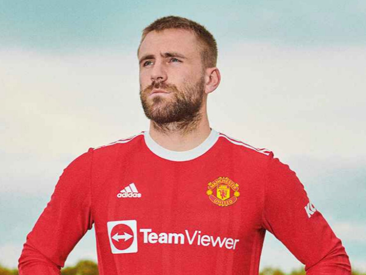Manchester United Unveil New Home Kit For 2021 22 Season The Independent