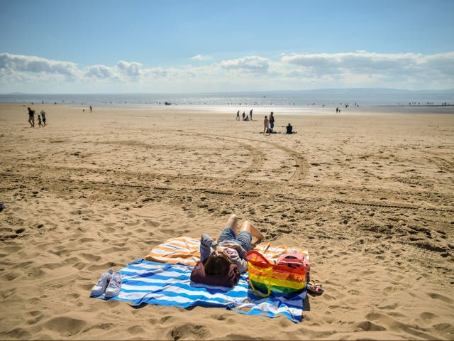 <p>Temperatures are expected to soar over the weekend</p>