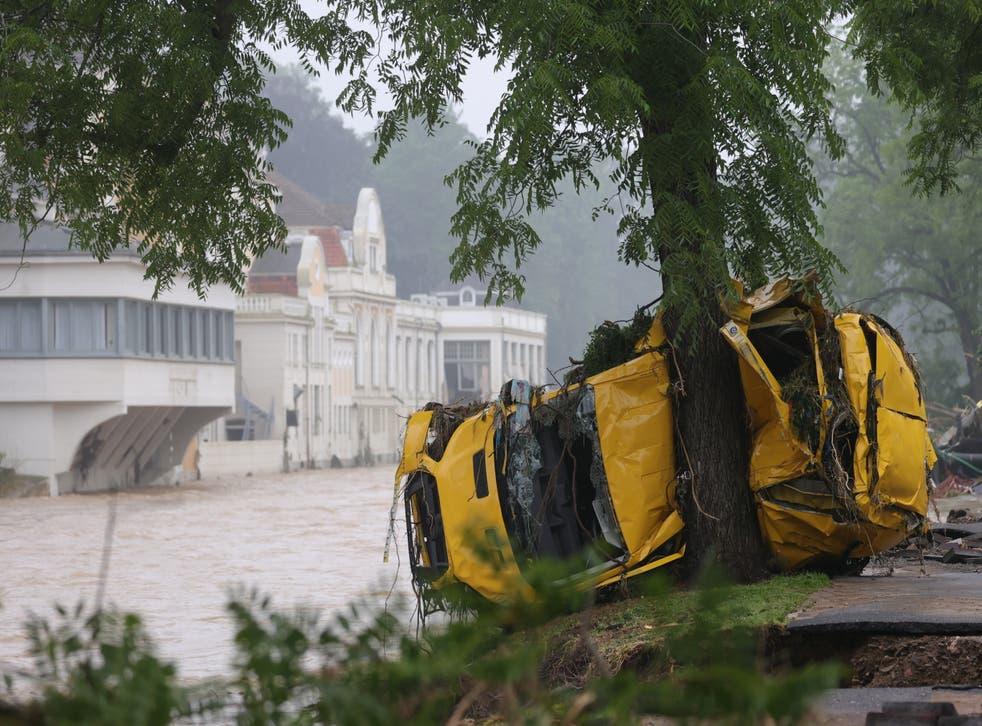 <p>Floods sweeping through German towns</p>