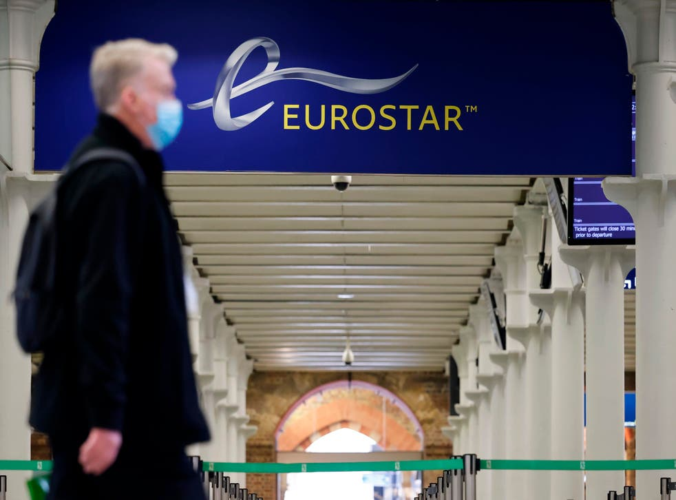 <p>Vaccinated passengers from France need not quarantine</p>