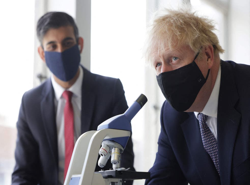 <p>Rishi Sunak, left, and Boris Johnson, looking for the answer</p>