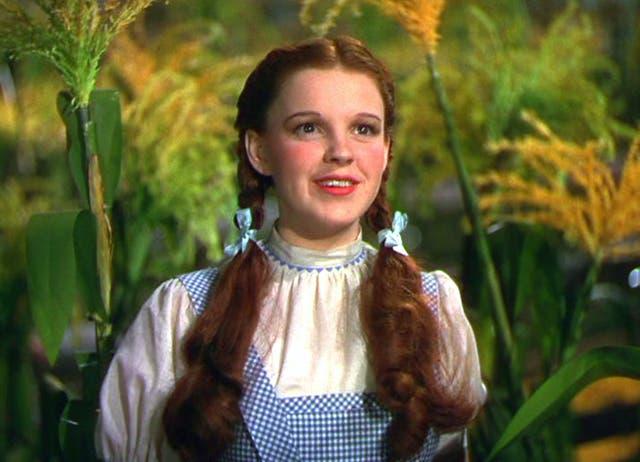 <p>Judy Garland como Dorothy Gale en El mago de Oz.</p>
