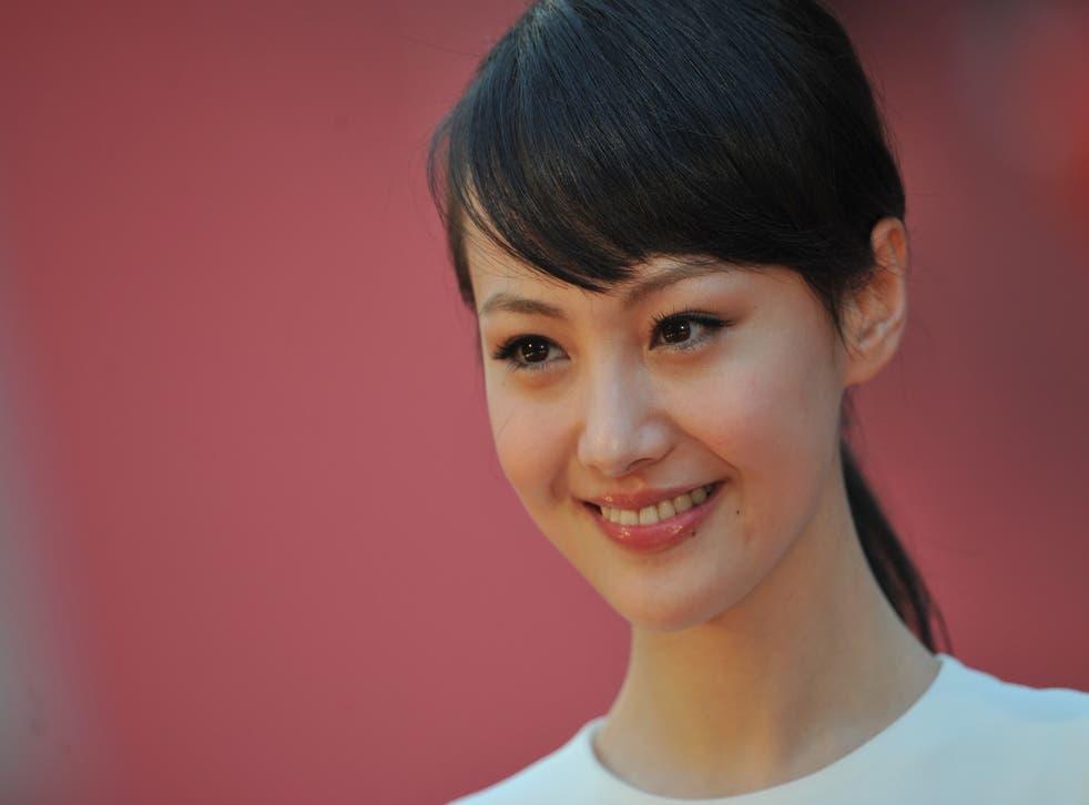 <p>File image: Zheng Shuang at the 31st Hong Kong Film Awards in 2012</p>