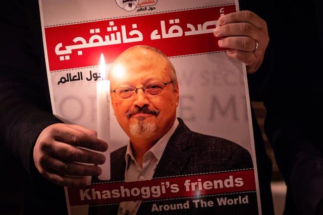 Jamal Khashoggi estaba tratando de organizar el papeleo que le permitiera casarse con la escritora turca Hatice Cengiz.