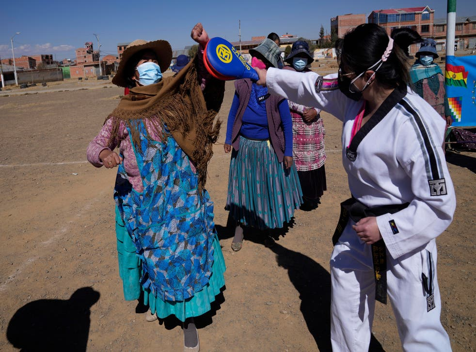 BOLIVIA-MUJERES TAEKWONDO