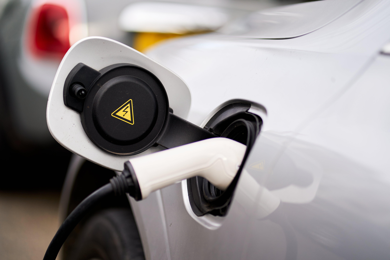 independent.co.uk - Neil Lancefield - Regulator raises concern over electric car charging
